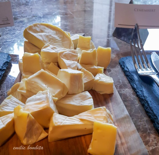 emilie-bombita-prime-experience-at-discovery-primea-tapenade-cemembert-cheese
