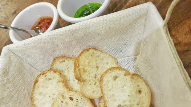 emilie-bombita-mama-lous-appetizer-bread