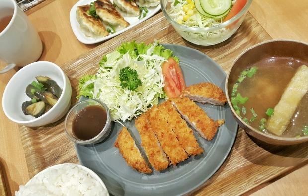 emilie-bombita-chibis-kitchen-katsu-teishoku
