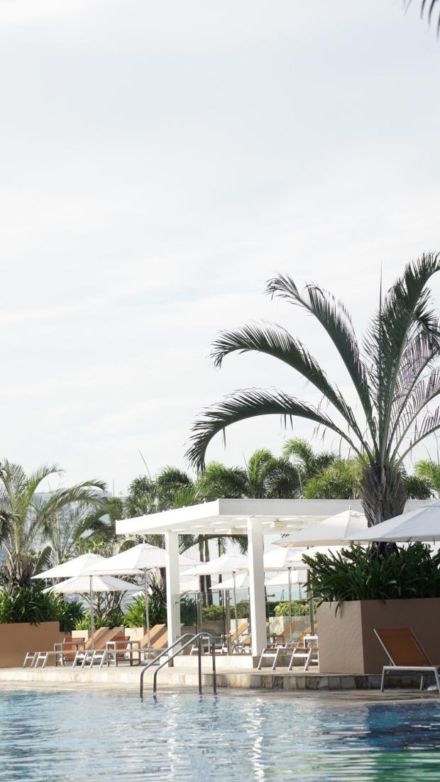 Emilie-Bombita-solaire-azure-pool-experience